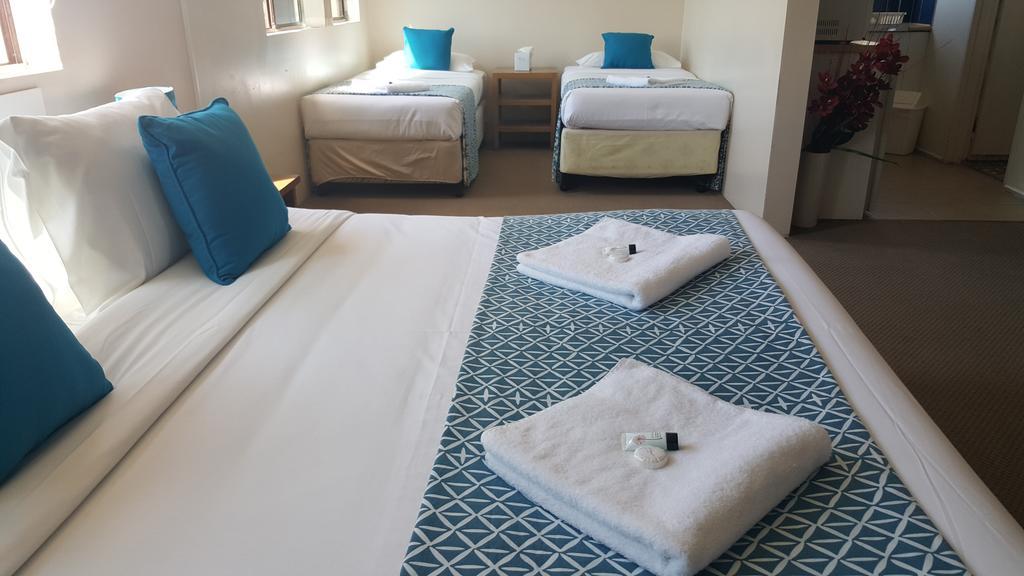 large rooms of mermaid beach motel
